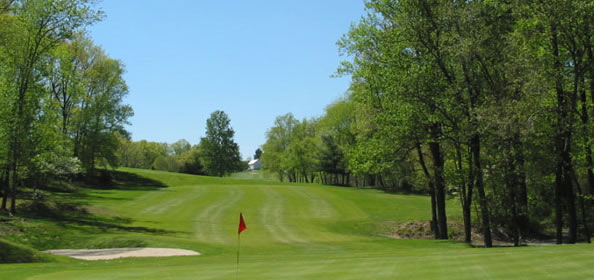 The 14th Hole at Manor Golf Club